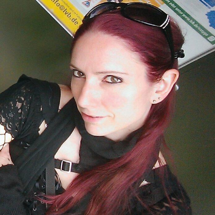 Sandra Lina Jakob, Chaospony Verlag